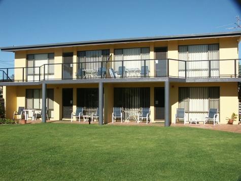 village green lawn area - Admirals Lodge