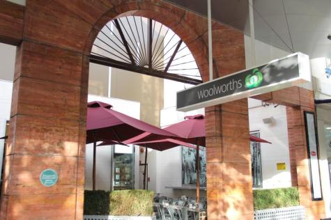 2 min walk to Woolworths - Alston Apartments Hotel