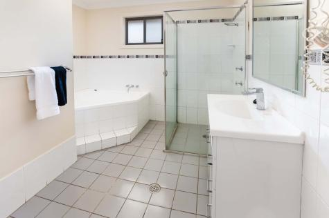 Bathroom - Bluegum Apartments