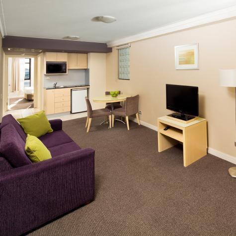 One Bedroom Apartment - BreakFree on George