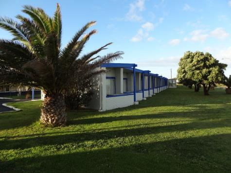Front View of Motel - Bunbury Welcome Inn