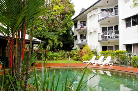 Citysider Cairns - Pool + Building - Citysider Holiday Apartments
