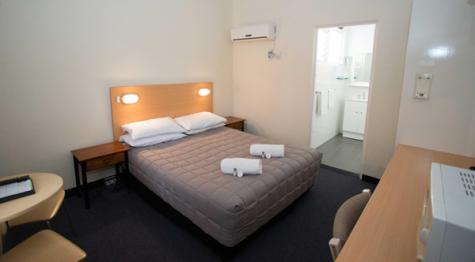 Queen Room - Cowra Motor Inn