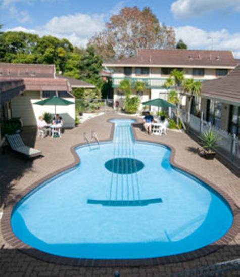 Pool - Duke's Midway Lodge