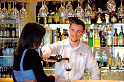 Welcoming Cocktail Bar - John Pirie Motor Inn