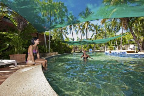 Main Swimming Pool - Knotts Crossing Resort
