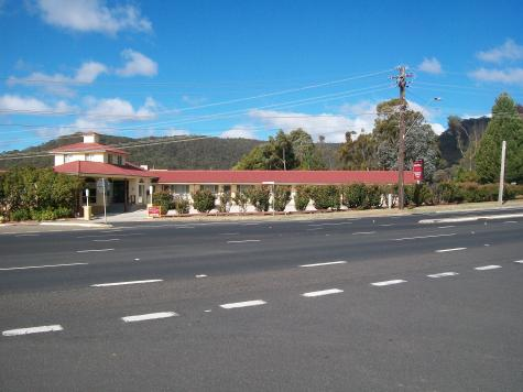 Roadside View - Lithgow Parkside Motor Inn