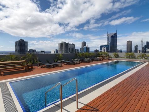 Rooftop Pool - Wyndham Hotel Melbourne