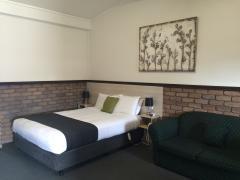 Olde Tudor Hotel Launceston Accommodation Deals From Travelmate